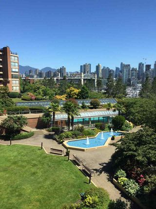 Photo 3: 309 1490 PENNYFARTHING DRIVE in Vancouver: False Creek Condo for sale (Vancouver West)  : MLS®# R2184883