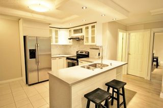"Photo 2: 116 2012 FULLERTON Avenue in North Vancouver: Pemberton NV Condo for sale in ""Woodcroft Estates"" : MLS®# R2191638"