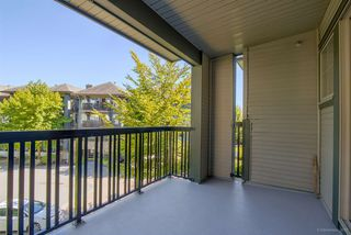 """Photo 14: 302 2988 SILVER SPRINGS Boulevard in Coquitlam: Westwood Plateau Condo for sale in """"TRILLIUM"""" : MLS®# R2199392"""