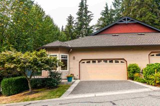 "Photo 2: 1172 STRATHAVEN Drive in North Vancouver: Northlands Townhouse for sale in ""Strathaven"" : MLS®# R2204532"