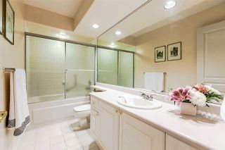 "Photo 15: 1172 STRATHAVEN Drive in North Vancouver: Northlands Townhouse for sale in ""Strathaven"" : MLS®# R2204532"