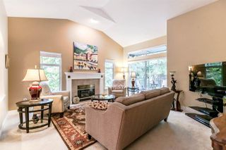 "Photo 6: 1172 STRATHAVEN Drive in North Vancouver: Northlands Townhouse for sale in ""Strathaven"" : MLS®# R2204532"