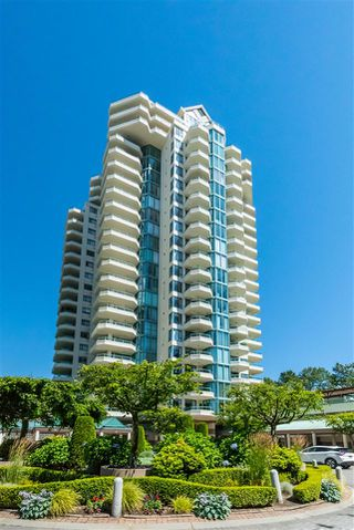 "Photo 2: 17E 338 TAYLOR Way in West Vancouver: Park Royal Condo for sale in ""The West Royal"" : MLS®# R2204846"