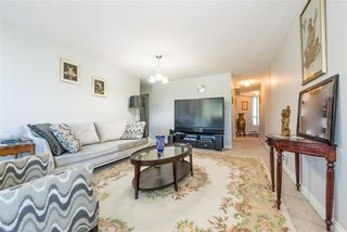 "Photo 11: 17E 338 TAYLOR Way in West Vancouver: Park Royal Condo for sale in ""The West Royal"" : MLS®# R2204846"