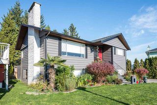 Photo 2: 317 WELLS GRAY Place in New Westminster: The Heights NW House for sale : MLS®# R2220291