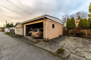 """Photo 17: 3756 IRMIN Street in Burnaby: Suncrest House for sale in """"SUNCREST"""" (Burnaby South)  : MLS®# R2226310"""