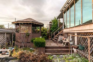 """Photo 11: 3756 IRMIN Street in Burnaby: Suncrest House for sale in """"SUNCREST"""" (Burnaby South)  : MLS®# R2226310"""