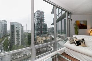 "Photo 9: 1002 1255 SEYMOUR Street in Vancouver: Downtown VW Condo for sale in ""The Elan by Cressey"" (Vancouver West)  : MLS®# R2292317"