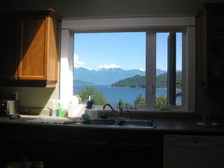 Photo 4: 582 North Fletcher Road, Gibsons