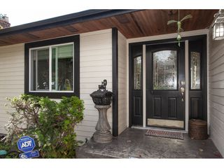 Photo 5: 6325 180A Street in Surrey: Cloverdale BC House for sale (Cloverdale)  : MLS®# R2314641