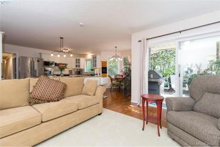 Photo 10: 4999 Del Monte Ave in VICTORIA: SE Cordova Bay Single Family Detached for sale (Saanich East)  : MLS®# 799964