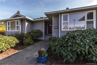 Photo 2: 4999 Del Monte Avenue in VICTORIA: SE Cordova Bay Single Family Detached for sale (Saanich East)  : MLS®# 400933