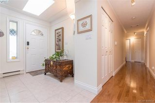 Photo 3: 4999 Del Monte Avenue in VICTORIA: SE Cordova Bay Single Family Detached for sale (Saanich East)  : MLS®# 400933