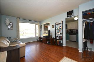 Photo 2: 308 Dowling Avenue East in Winnipeg: East Transcona Residential for sale (3M)  : MLS®# 1828540