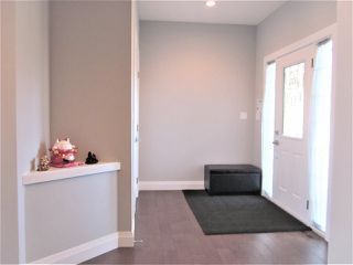 Photo 3: 9008 181 Avenue in Edmonton: Zone 28 House for sale : MLS®# E4134873