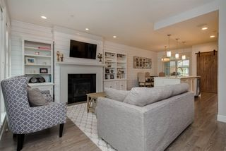 Photo 2: 5482 STEELHEAD Lane in Sardis: Vedder S Watson-Promontory Condo for sale : MLS®# R2322399