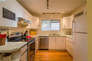 Photo 11: 411 Powell St in VICTORIA: Vi James Bay Half Duplex for sale (Victoria)  : MLS®# 803949