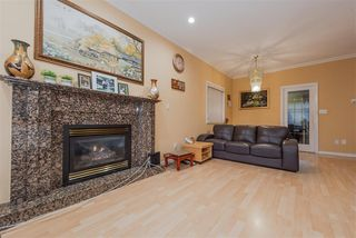 Photo 3: 7091 NELSON Avenue in Burnaby: Metrotown House 1/2 Duplex for sale (Burnaby South)  : MLS®# R2345933