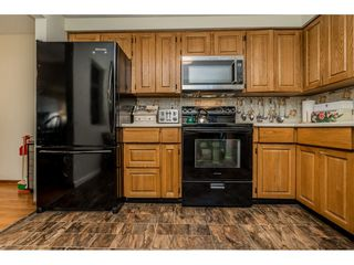 """Photo 9: 4 33951 MARSHALL Road in Abbotsford: Central Abbotsford Townhouse for sale in """"Arrowwood Village"""" : MLS®# R2348163"""