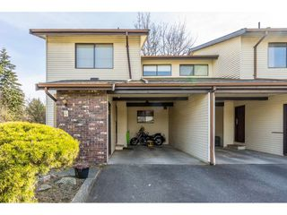 """Photo 2: 4 33951 MARSHALL Road in Abbotsford: Central Abbotsford Townhouse for sale in """"Arrowwood Village"""" : MLS®# R2348163"""