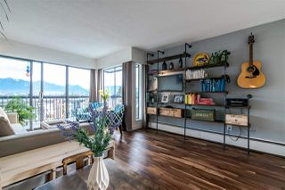 """Photo 2: 302 444 E 6TH Avenue in Vancouver: Mount Pleasant VE Condo for sale in """"TERRACE HEIGHTS"""" (Vancouver East)  : MLS®# R2353755"""