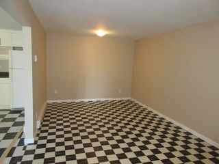 Photo 11: 13230 113B Avenue in Surrey: Bridgeview House for sale (North Surrey)  : MLS®# R2360823