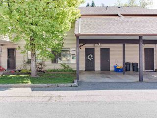 "Main Photo: 207 27411 28 Avenue in Langley: Aldergrove Langley Townhouse for sale in ""Alderview"" : MLS®# R2361935"