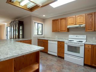 Photo 13: 8979 MCLAREY Avenue in BLACK CREEK: CV Merville Black Creek House for sale (Comox Valley)  : MLS®# 812664