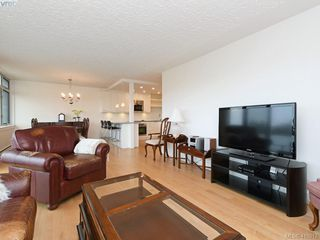 Photo 2: 1102 250 Douglas Street in VICTORIA: Vi James Bay Condo Apartment for sale (Victoria)  : MLS®# 410817