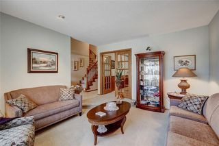 Photo 2: 23 CEDARBROOK Close SW in Calgary: Cedarbrae Detached for sale : MLS®# C4247711