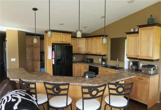 Photo 3: 190 Riverview Avenue West in Dominion City: R17 Residential for sale : MLS®# 1917516