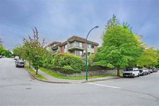 "Photo 1: 213 680 E 5TH Avenue in Vancouver: Mount Pleasant VE Condo for sale in ""MACDONALD HOUSE"" (Vancouver East)  : MLS®# R2386585"