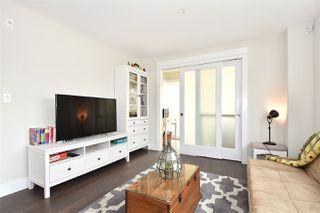 "Photo 3: 305 3028 ARBUTUS Street in Vancouver: Kitsilano Condo for sale in ""LA VISTA"" (Vancouver West)  : MLS®# R2408712"