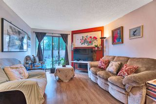 "Photo 3: 14831 HOLLY PARK Lane in Surrey: Guildford Townhouse for sale in ""HOLLY PARK"" (North Surrey)  : MLS®# R2427692"