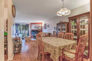 "Photo 7: 14831 HOLLY PARK Lane in Surrey: Guildford Townhouse for sale in ""HOLLY PARK"" (North Surrey)  : MLS®# R2427692"
