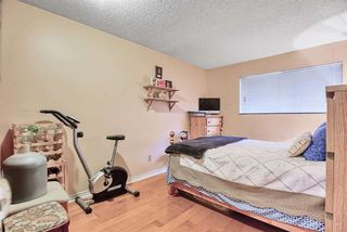 "Photo 16: 14831 HOLLY PARK Lane in Surrey: Guildford Townhouse for sale in ""HOLLY PARK"" (North Surrey)  : MLS®# R2427692"
