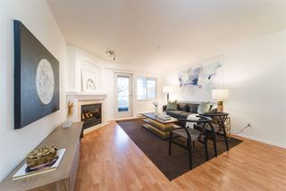 Photo 4: 2422 E 8TH Avenue in Vancouver: Renfrew VE Townhouse for sale (Vancouver East)  : MLS®# R2428535