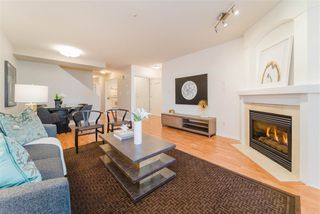 Photo 2: 2422 E 8TH Avenue in Vancouver: Renfrew VE Townhouse for sale (Vancouver East)  : MLS®# R2428535