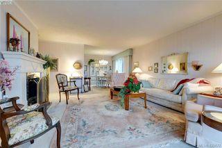 Photo 3: 403 614 Fernhill Place in VICTORIA: Es Rockheights Condo Apartment for sale (Esquimalt)  : MLS®# 420877