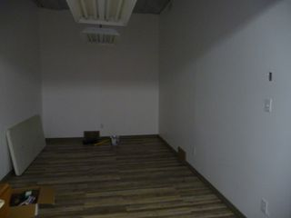 Photo 5: 2700 Sq FT Commercial Building
