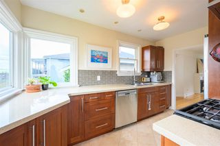 Photo 16: 3041 E 2ND AVENUE in Vancouver: Renfrew VE House for sale (Vancouver East)  : MLS®# R2456098