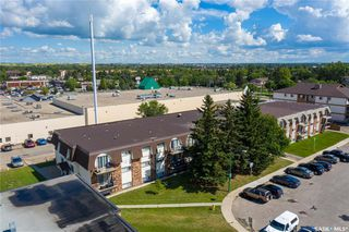 Photo 2: 17 3825 Luther Place in Saskatoon: West College Park Residential for sale : MLS®# SK838376