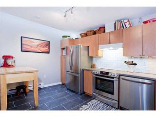 """Photo 4: 110 2688 WATSON Street in Vancouver: Mount Pleasant VE Townhouse for sale in """"TALA VERA"""" (Vancouver East)  : MLS®# V911021"""