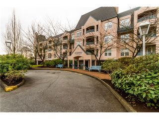 "Photo 2: 220 98 LAVAL Street in Coquitlam: Maillardville Condo for sale in ""LE CHATEAU"" : MLS®# V1039185"