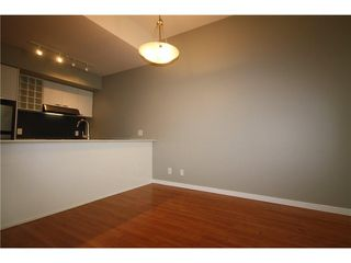 Photo 4: 688 CITADEL PARADE in Vancouver: Downtown VW Townhouse for sale (Vancouver West)  : MLS®# V1047905