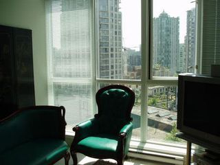 Photo 2: #807  1199 Seymour: Condo for sale (Downtown VW)  : MLS®# V534367