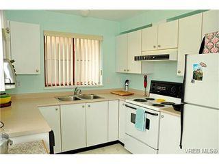 Photo 5: 308 545 Manchester Rd in VICTORIA: Vi Burnside Condo for sale (Victoria)  : MLS®# 702839
