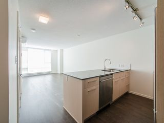 "Photo 2: 816 7788 ACKROYD Road in Richmond: Brighouse Condo for sale in ""Quintet Tower D"" : MLS®# R2017309"