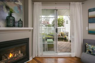 "Photo 7: 103 137 E 1ST Street in North Vancouver: Lower Lonsdale Condo for sale in ""CORONADO"" : MLS®# R2053942"