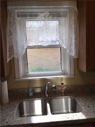 Photo 3: 64 Beaucourt Road in Hamilton: Ainslie Wood House (Bungalow) for sale : MLS®# X3513954